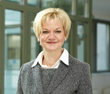 Dr. Claudia Mika